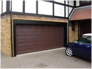 Почему многие отдают предпочтение автоматическим гаражным воротам?