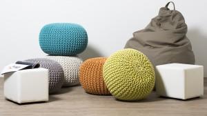 Бескаркасные велюровые кресла – на радость всем отдыхающим