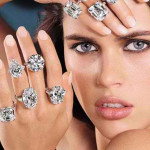 Учимся правильно носить шикарные кольца с бриллиантами