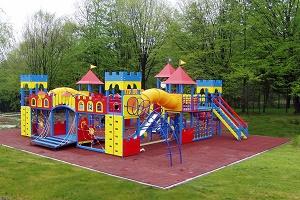 Детские площадки: купить или сделать самостоятельно?