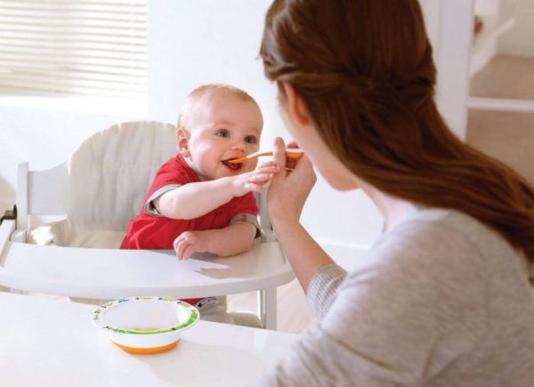 На что стоит обращать внимание при выборе детского питания