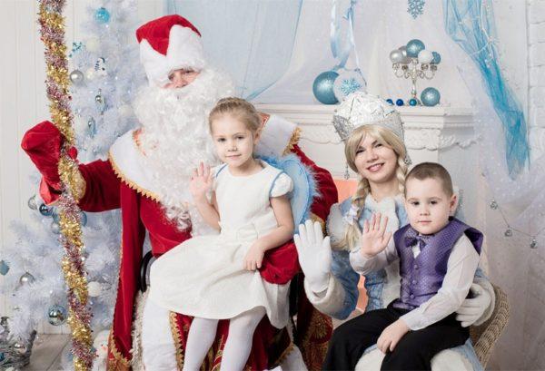 С какого возраста можно пригласить Деда Мороза со Снегурочкой для ребенка?