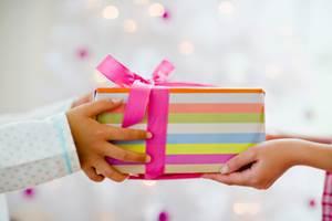 Подари сюрприз на день рождения