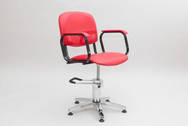Выбор удобного парикмахерского кресла для клиента