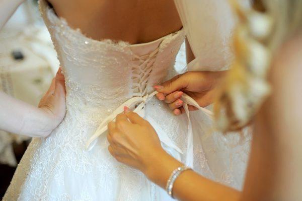 Какие бывают размеры свадебных платьев