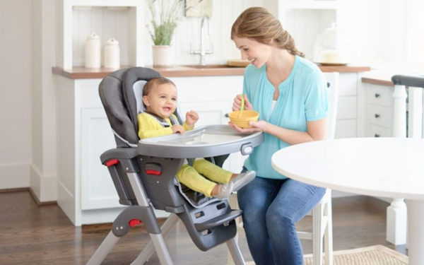 Детские стульчики для кормления – незаменимая вещь для молодой мамы