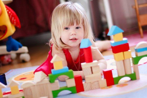 Как выбрать игрушку для ребенка в соответствии с возрастом?