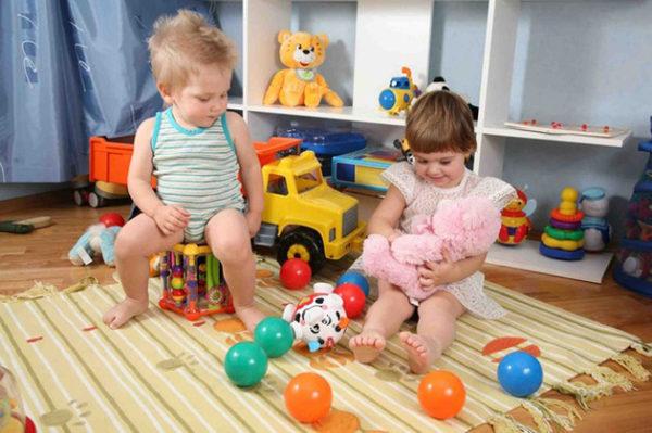 На какие критерии ссылаться мамам и папам при выборе детских игрушек?