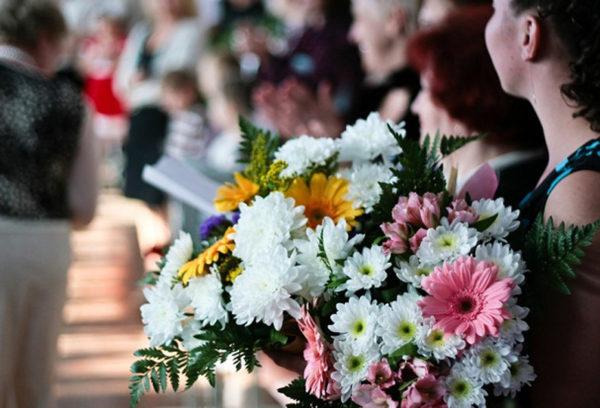 Какими должны быть цветы на долгожданный День знаний?