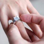 Как выбрать красивое помолвочное кольцо для своей возлюбленной?