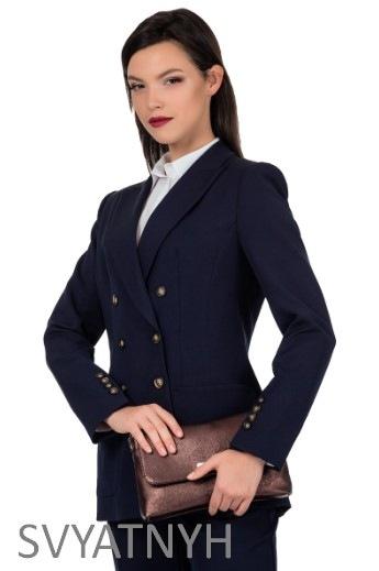 Как выбрать блузку под пиджак?