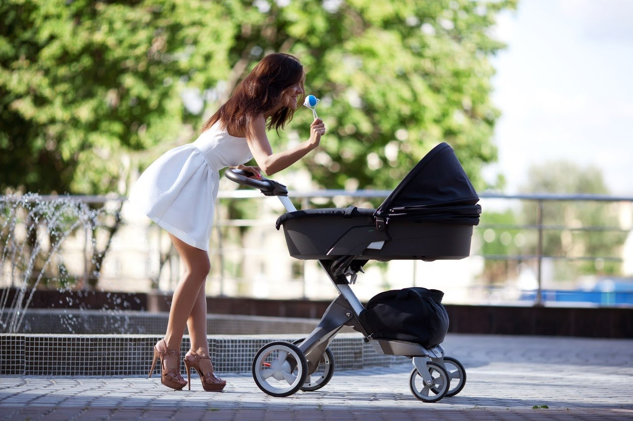 Зачем ребенку нужна коляска?