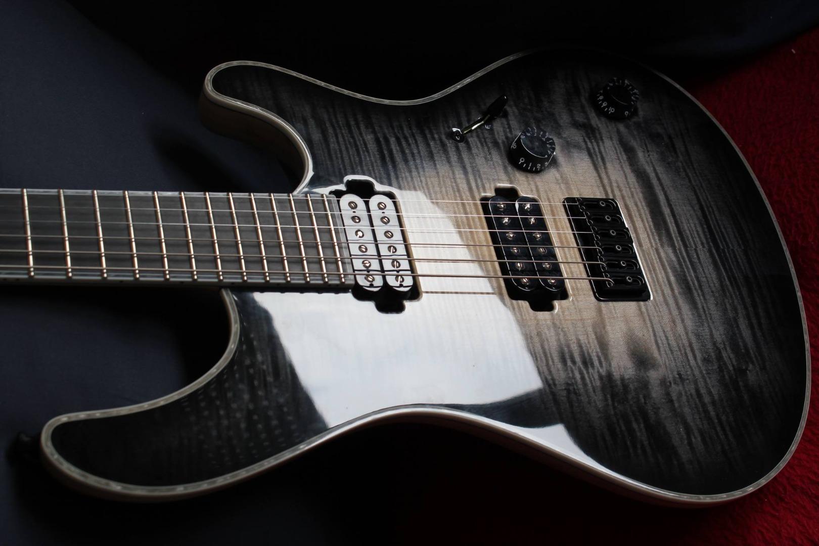 Зачем нужна дорогая гитара.